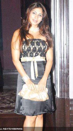 tanisha-bow-dress-jul14.jpg