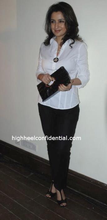 tisca-chopra-black-and-white-outfit-firaaq1.jpg