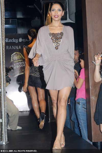 blenders-pride-party-tour-2008-ranna-gill.jpg