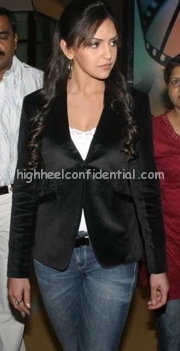 esha-deol-cinemax-launch-faridabad1.jpg