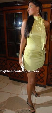neha-dhupia-singh-is-kinng-music-launch-yellow-dress-marciano-2.jpg