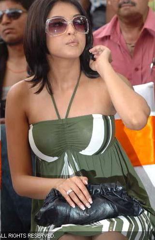 tanushree-dutta-green-dress-ahemdabad.jpg