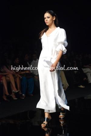 1-wendell-rodricks-chivas-fashion-tour-mumbai.jpg