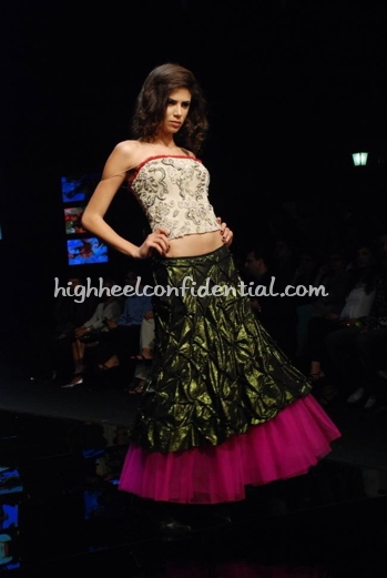 11-vikram-phadnis-chivas-fashion-tour-mumbai.jpg