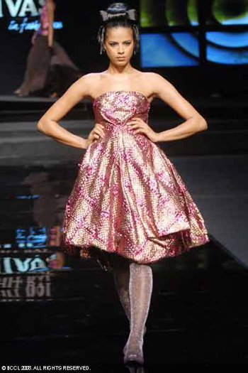 12-chivas-regal-fashion-week-rohit-bal-sept-27.jpg