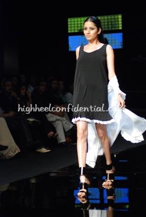 12-wendell-rodricks-chivas-fashion-tour-mumbai.jpg