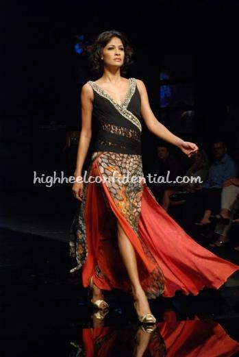 2-vikram-phadnis-chivas-fashion-tour-mumbai.jpg