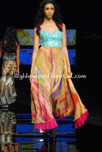 5-vikram-phadnis-chivas-fashion-tour-mumbai.jpg