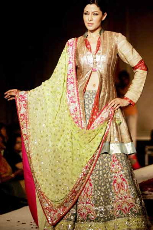 6-marriage-n-vogue-fashion-show-manish-malhotra.jpg
