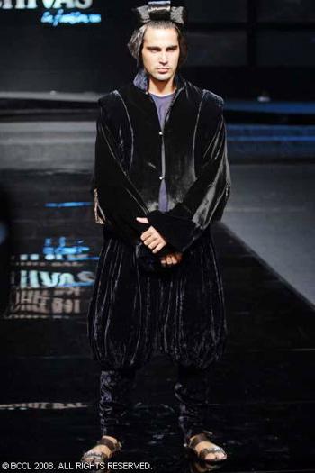 7-chivas-regal-fashion-week-rohit-bal-sept-27.jpg
