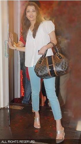 aishwarya_anna_shoes.jpg