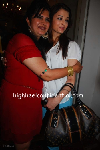 aishwarya_anna_singh_store_launch_bag.jpg