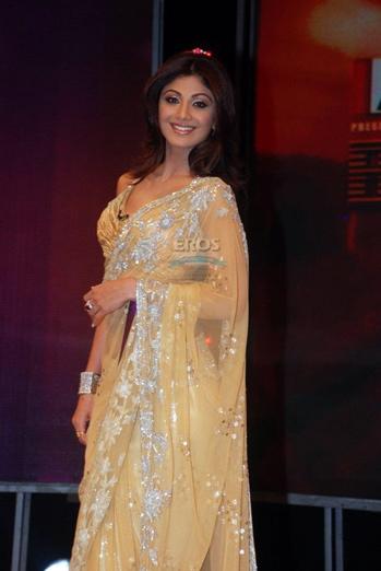 beige-sari-shilpa-shetty-bigg-boss-manish-malhotra.jpg