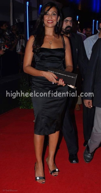 madhu-sapre-rock-on-premiere-black-dress.jpg