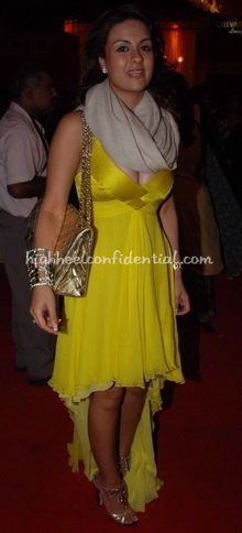 natasha-poonawala-hdil-couture-week-tarun-tahiliani-versace-yellow-dress.jpg