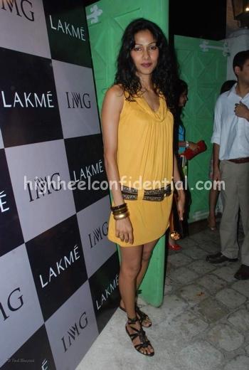 nethra-raghuraman-lfw-launch-party-sept-08.jpg