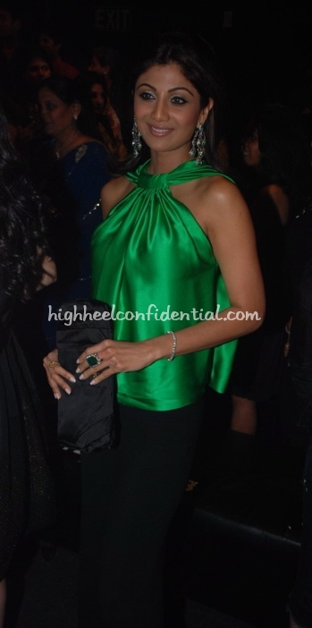 shilpa-shetty-hdil-couture-week-manish-malhotra-green-top1.jpg