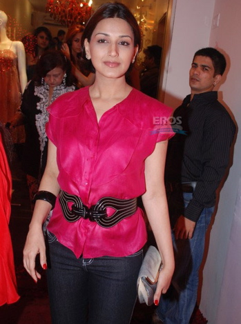 sonali-bendre-anna-singh-store-launch.jpg