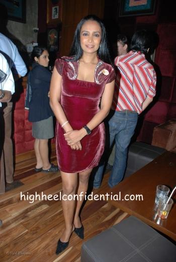 suchitra_suneeta_aro_album.jpg
