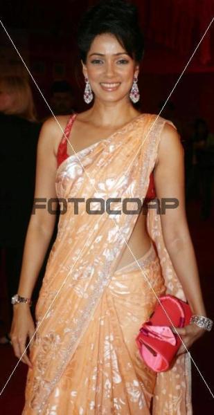 vidya_couture_week_sari.jpg