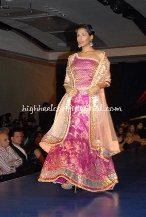 1-maheka-mirpuri-fashion-show.jpg