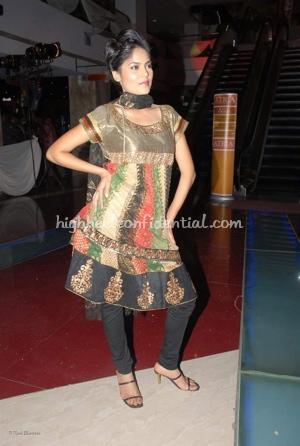 1-priyanka-thakur-fashion-show.jpg
