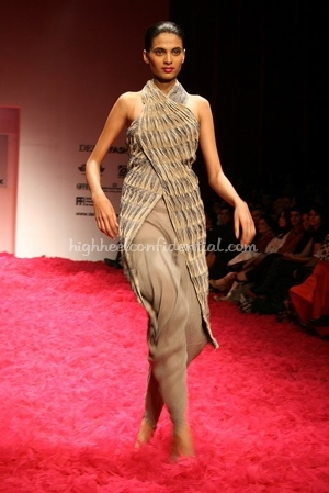 1-rohit-bal-spring-09-delhi-fashion-week.jpg