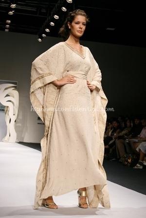 10-tarun-tahiliani-spring-09-delhi-fashion-week.jpg