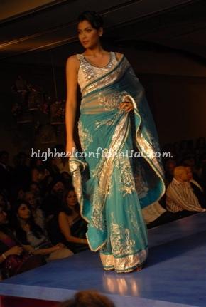 11-maheka-mirpuri-fashion-show.jpg