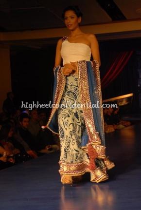 13-maheka-mirpuri-fashion-show.jpg