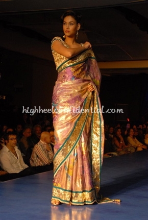 19-maheka-mirpuri-fashion-show.jpg
