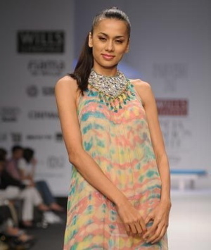 2-parvesh-and-jai-spring-09-wlifw.jpg