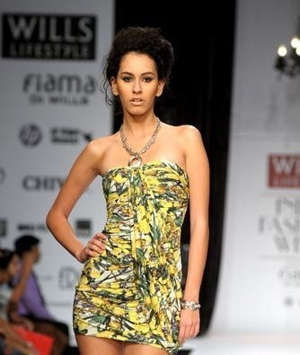 2-swapan-and-seema-wlifw-spring-09.jpg