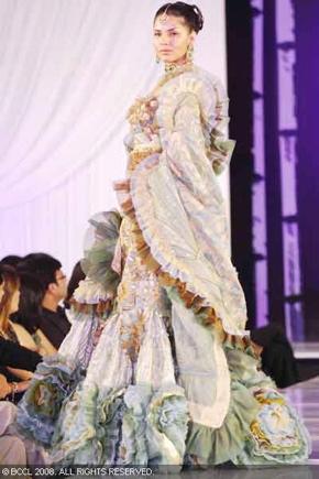 3-bridal-asia-08-ritu-beri.jpg