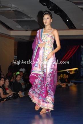 3-maheka-mirpuri-fashion-show.jpg