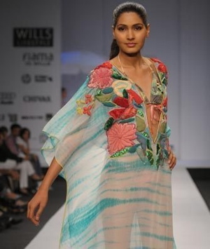 3-parvesh-and-jai-spring-09-wlifw.jpg