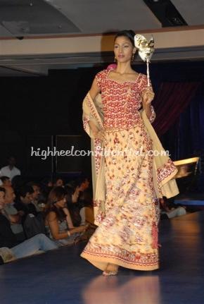 4-maheka-mirpuri-fashion-show.jpg