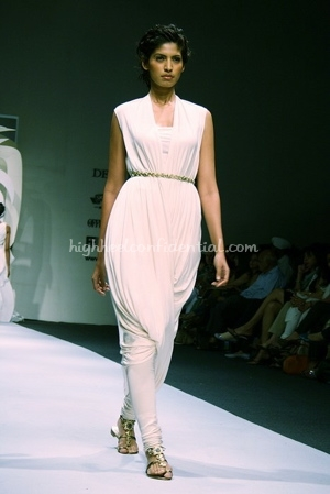 4-tarun-tahiliani-spring-09-delhi-fashion-week.jpg