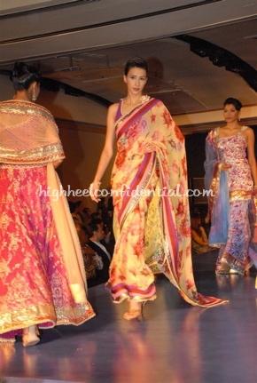 5-maheka-mirpuri-fashion-show.jpg