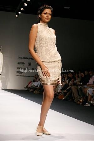 5-tarun-tahiliani-spring-09-delhi-fashion-week.jpg