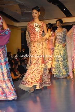 6-maheka-mirpuri-fashion-show.jpg