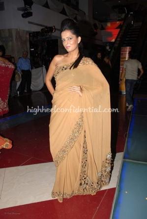 6-priyanka-thakur-fashion-show.jpg