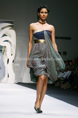 9-tarun-tahiliani-spring-09-delhi-fashion-week.jpg