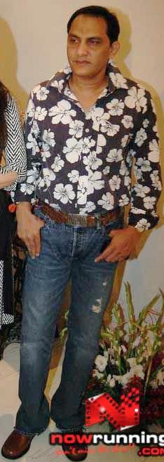 azhar-floral-shirt-ripped-denims.jpg