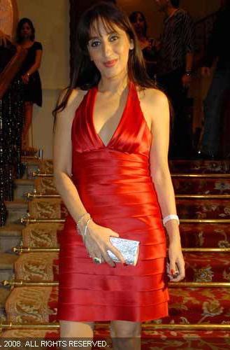 farah-khan-bcbgmaxazria-red-tiered-dress-bombay-times-14th-anniversary-party.jpg