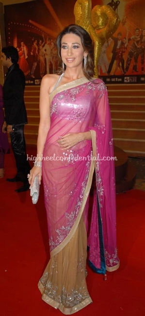 karisma-kapoor-nach-baliye-red-carpet-pink-and-beige-sari1.jpg