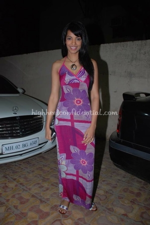 mughda-godse-fashion-big-fm-maxi-dress1.jpg