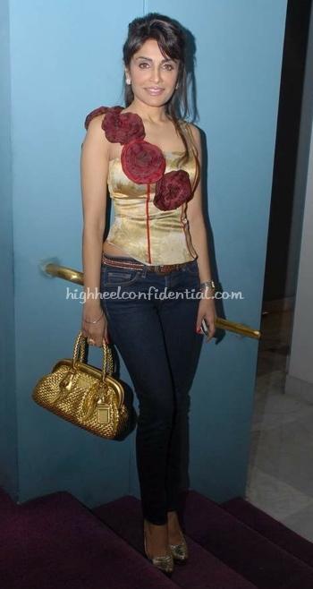 queenie-dhody-lakme-fashion-week-gold-and-rosette-corset1.jpg