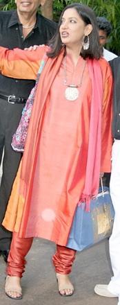 shabana-azmi-ftii-pink-salwar-again-1.jpg