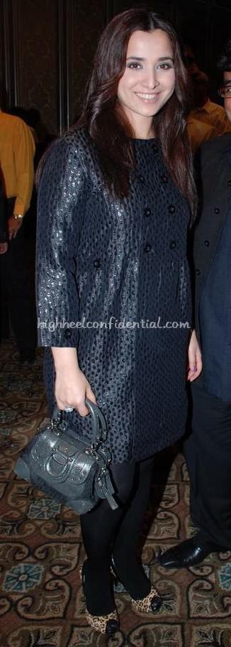 simone-singh-nisha-jamwals-party-grey-dress_0.jpg